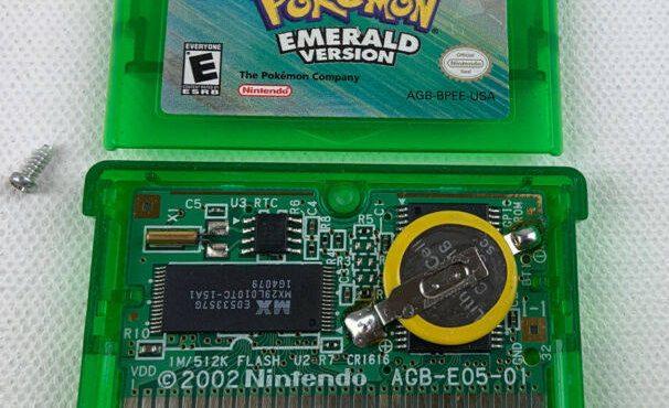 美版《绿宝石》卡带拆解图,图中RTC部分就是时钟电路